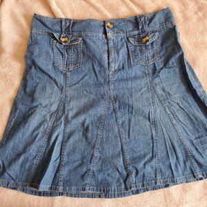 Charter Club Chambray denim skirt button pockets